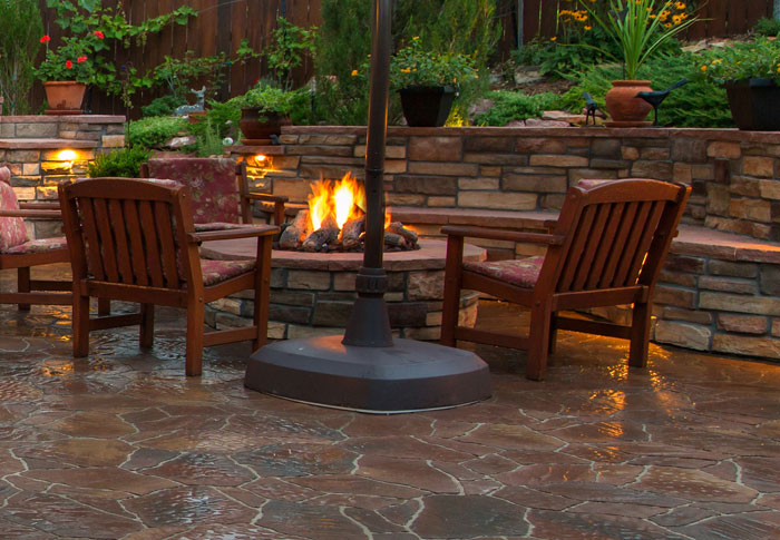Outdoor entertaining fireplace and firepit patio